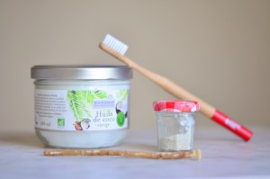 oil_pulling_bain_bouche_huile_ayurveda