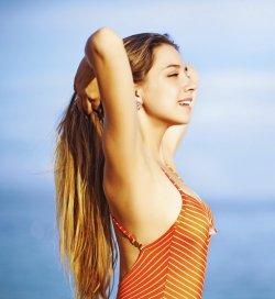 spray-hydratant-cheveux-soleil-été 2