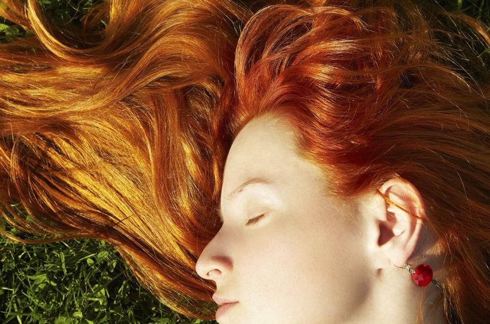 Spray naturel hydratant pour les cheveux en été ☀