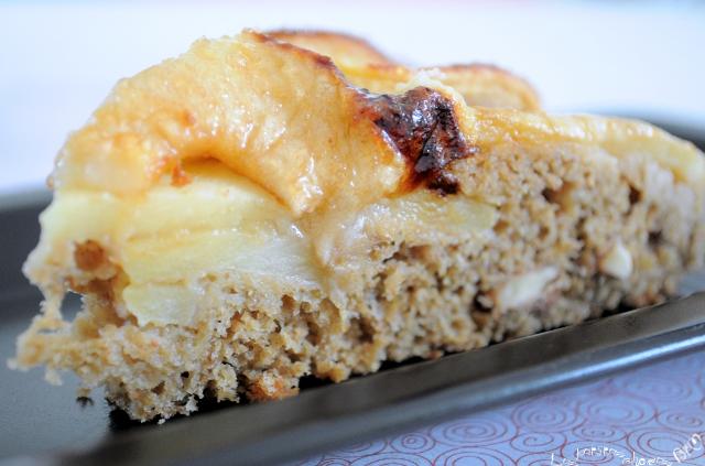 Gâteau moelleux pomme - noix au parfum de pain d'épices