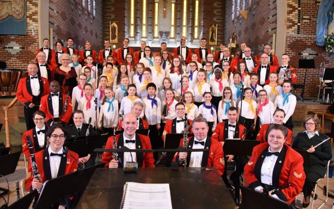 Les Petits Chanteurs de Beauport avec le Royal 22e Régiment, mai 2018