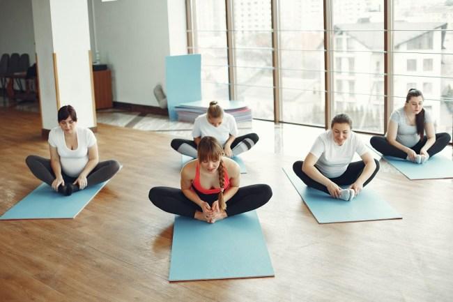postures de yoga pour muscler votre périnée angle lié