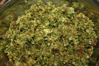 Filet de Moustelle en croûte de jambon persillade et poivrons confits