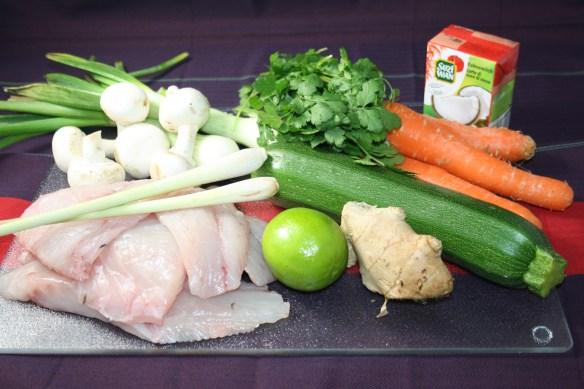 Filet de Bar poêlé émulsion de coco, gingembre et citronnelle sur son lit de petits légumes