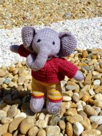 Tricot éléphants Les Petits