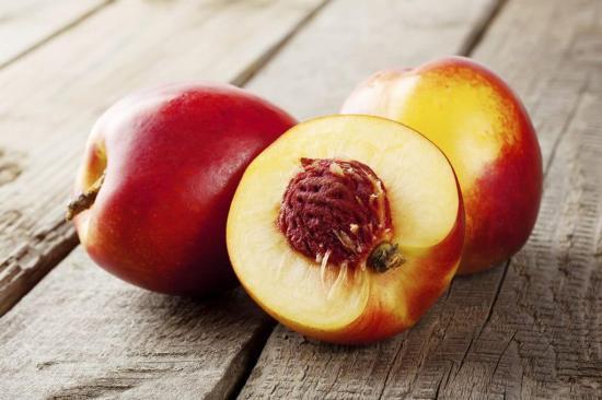 Nectarines dans vos corbeilles de fruits