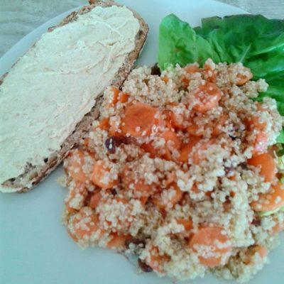 Salade de quinoa aux carottes et raisins secs