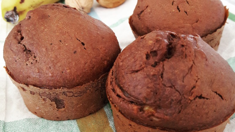 Muffins moelleux banane choco noix