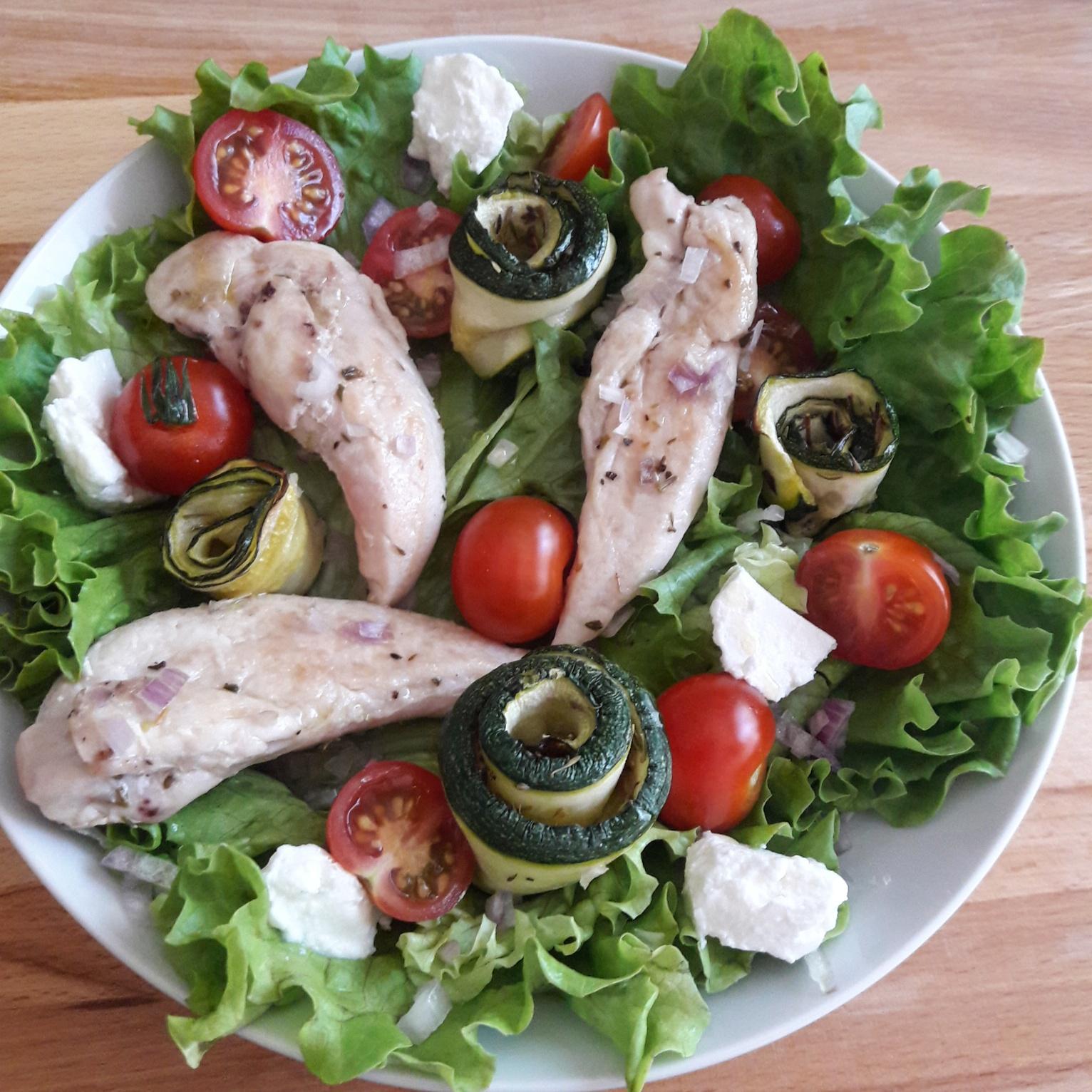 Salade de poulet aux légumes du soleil