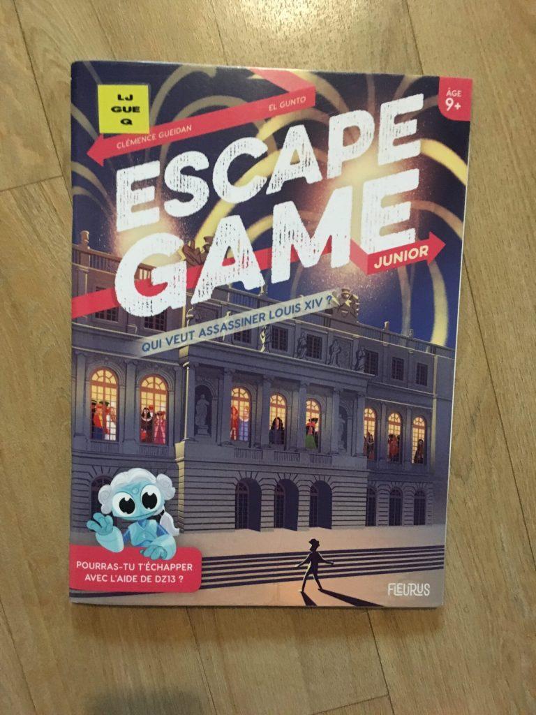 escape game junior qui veut assassiner louis xiv livre jeu