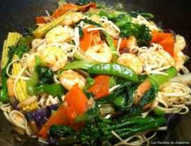 Crevettes au paprika,pâtes chinoises aux wok