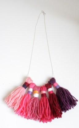 Collier laine