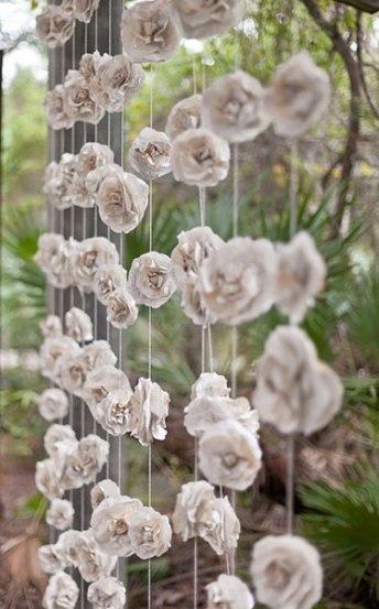 Gurilande fleurs blanches