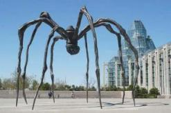 ouise Bourgeois, Maman, 2001