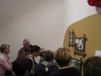 avec Melle ROUSSEAU, médiatrice, visite de l'exposition KARAVAN, Chantal RAGUET, Espace culturel François Mitterrand, Périgueux, 2016
