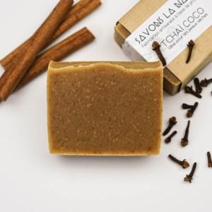 Savon à base de coco et d'épices - Savon solide saponifié à froid, surgras, naturel et bio, zéro déchet