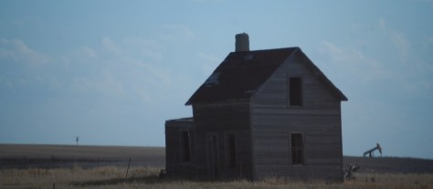 An old house as seen on the road to Williston
