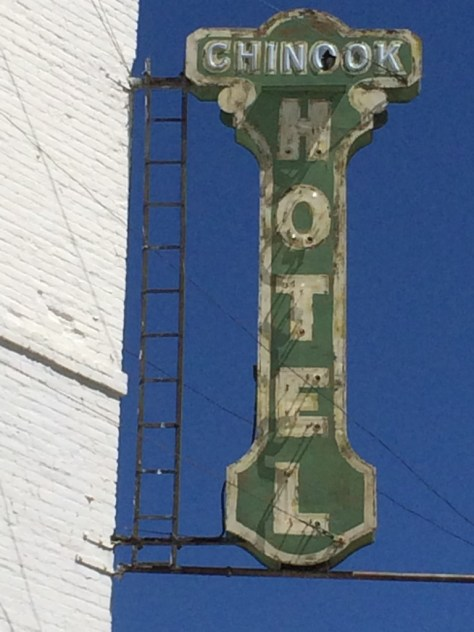 Old Chinook Hotel neon sign