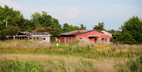 Much of US 61 in the Delta is falling to ruins, such as this place. Sad....