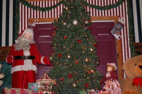 Some of Santa's Lodge Christmasy decor