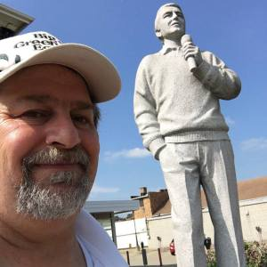 Singing Perry Como statue in downtown Canonsburg