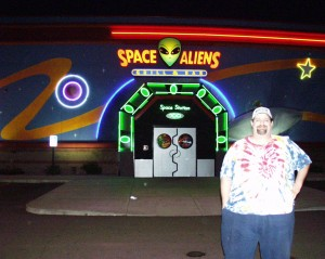 Sumoflam with an Alienized Smile at Space Aliens