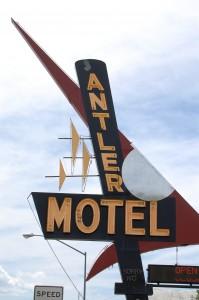 Antler Motel Neon Sign in Kemmerer. Love old neon signs.