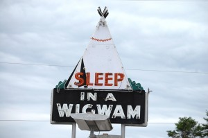 Sleep in a Wigwam - Wigwam Motel in Cave City, Kentucky