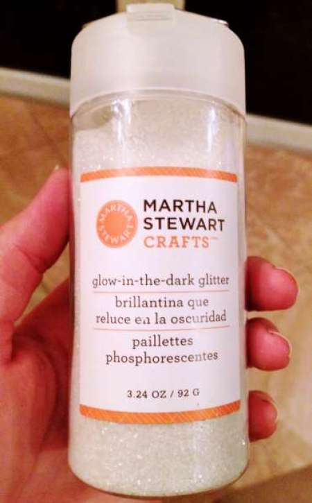 Glitter Glow Liquid Eye Shadow: Glitter Glow Pumpkins {Martha Stewart Glow Glitter Review
