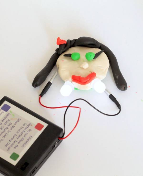 Spooky STEM: Make a Squishy Circuits Vampire