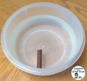 candy sink or float experiment Kit Kat Bar