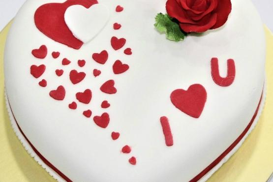 Fondant Heart Cake  Couples Workshop    Cake Decorating Classes in     Fondant Heart Cake  Couples Workshop