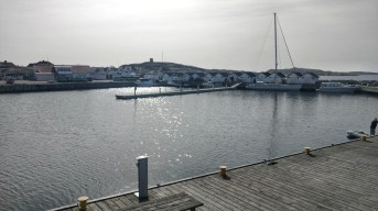 Boathouses and the docks at Vrångö. (Gothenburg, 25 April 2017)