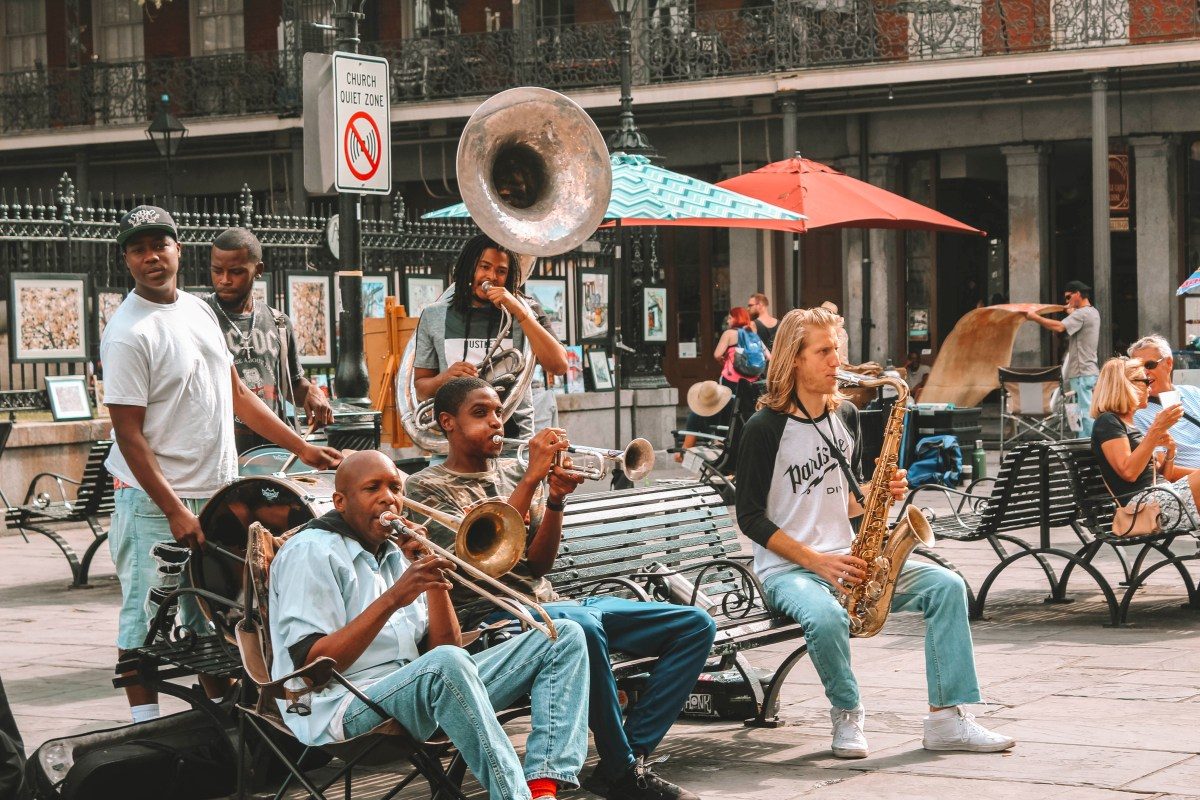street performers new orleans