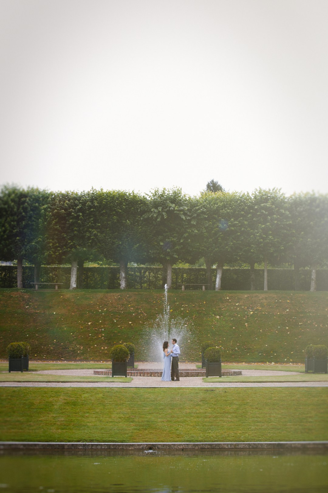 French-Engagement-Session-Jardins-de-Villandry