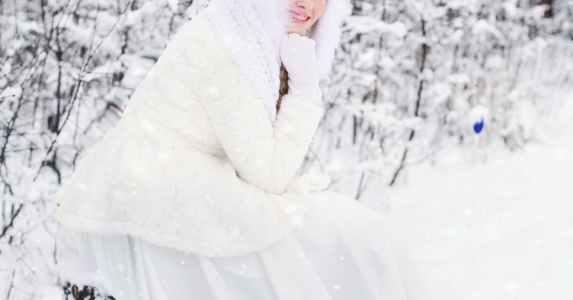 se marier en hiver nettoyage robe de mariée fourrure