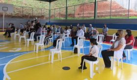 Público durante solenidade