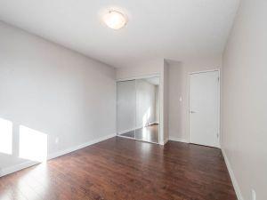 elmwood apartments master bedroom closet