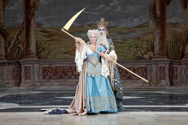«Atys» deLully, costumesdePatriceCauchetier, Opéra-Comique,2011. É.Fonnard etB.Deletré ©PierreGrosbois