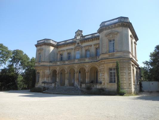 un chateau méconnu dans les Alpilles : le chateau de Montauban