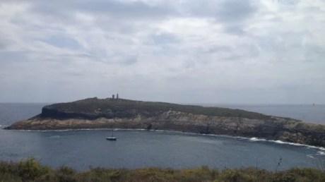 Columbrete Grande, Vagabond seul dans le cratère