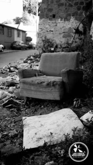 Réflexion sur la photo de rue, fauteuil à Valparaiso