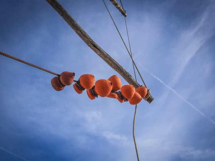poterie qui font du bruit sur les ailes du moulin a vent de odeceixe voyage portugal algarve