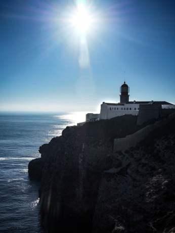 vue sur le phare du cabo sao vincente a sages en algarve voyage portugal