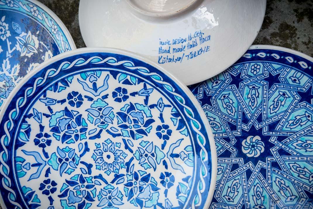 assiettes peintes à la main artisanat turc à istanbul