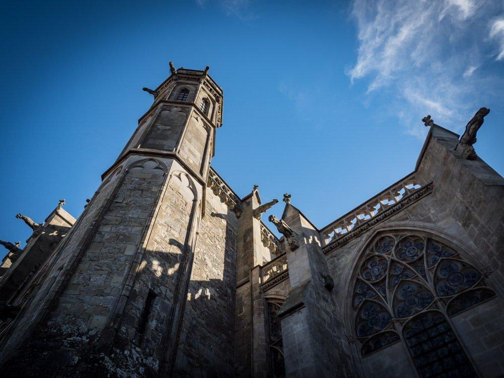 la cathédrale saint-nazaire à l'intérieur de la cite de carcassonne patrimoine mondial unesco
