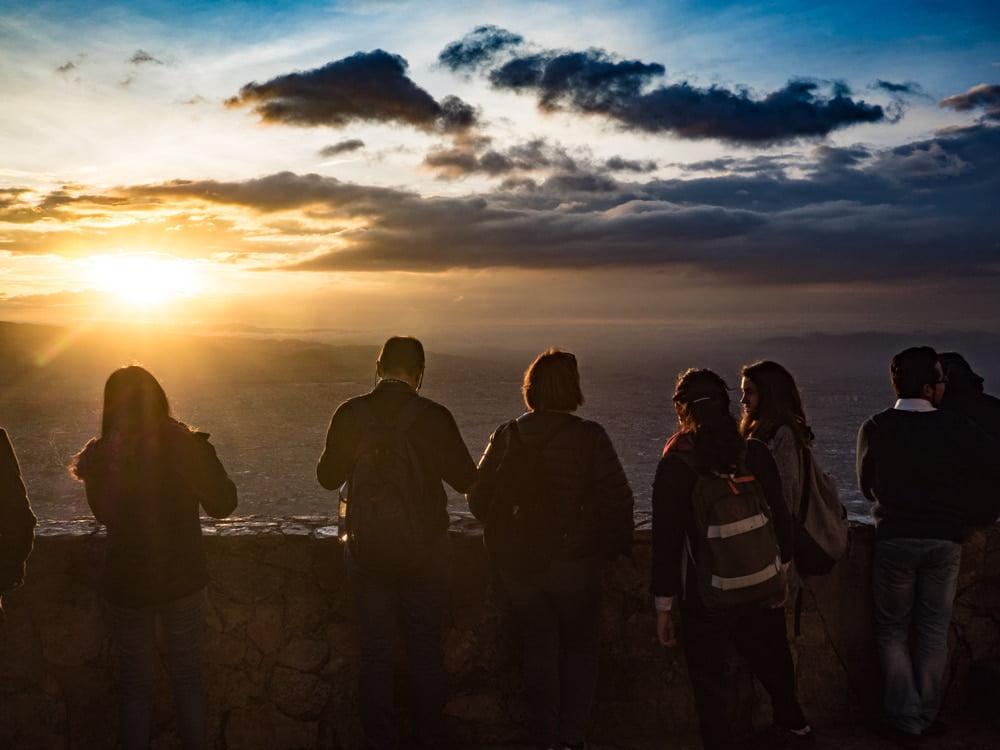 profiter du coucher de soleil au monserrate à bogota en colombie