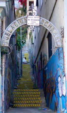visiter valparaiso et ses ecaliers colorés