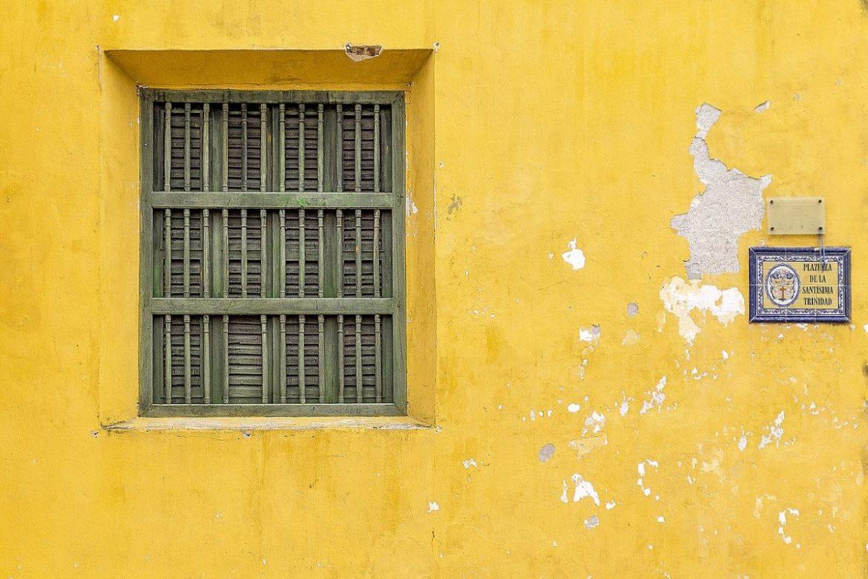 couleur des murs à cartagena tourisme en colombie