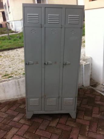 vestiaire armoire metallique vintage